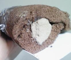 ヤマザキロールケーキ・クロールちゃんチョコクリーム